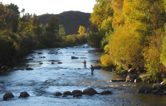 evening-fly-fishing-on-the-yampa-steamboat-springs-fly-fishing-2000x1282